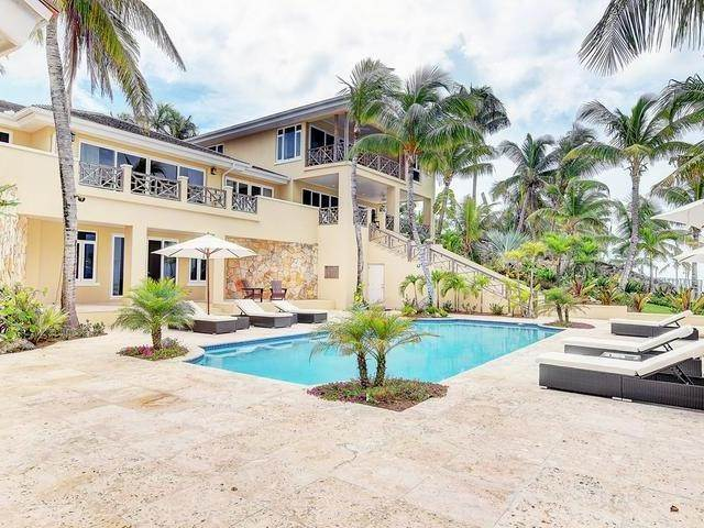 Single Family Homes por un Venta en Old Fort Bay, Nueva Providencia / Nassau Bahamas