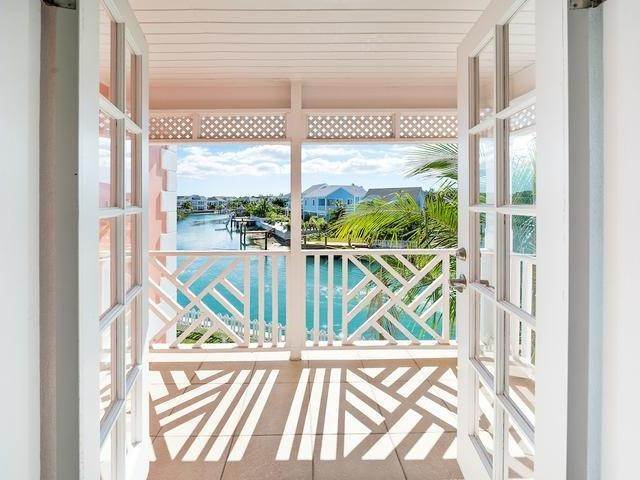 13. Single Family Homes for Sale at Sandyport, Cable Beach, Nassau And Paradise Island Bahamas