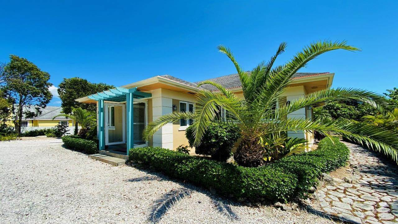 Single Family Homes at South Ocean, Nassau And Paradise Island Bahamas
