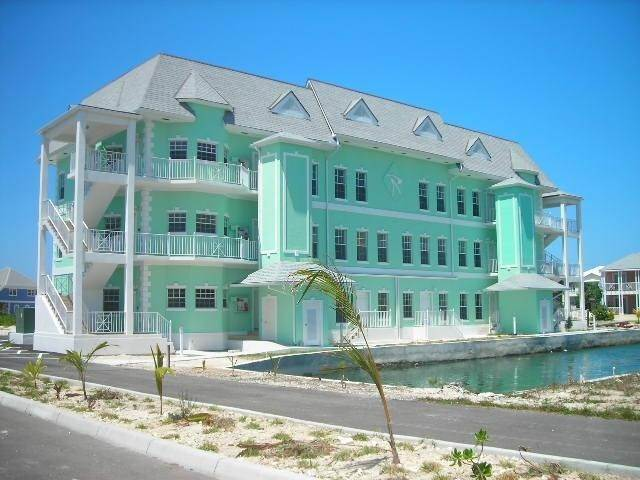Condominiums for Sale at Sandyport, Cable Beach, Nassau And Paradise Island Bahamas