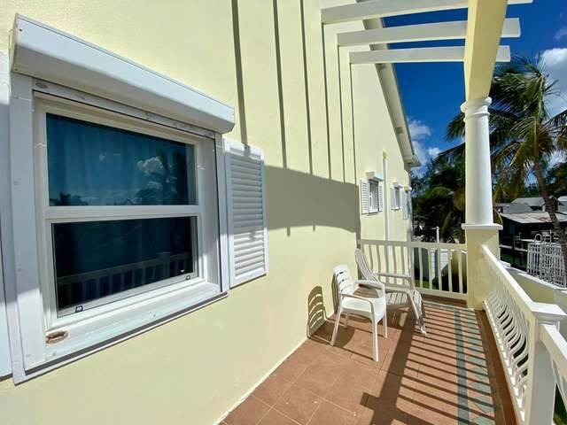 19. Condominiums for Sale at Royall Beach Estates, South Ocean, Nassau And Paradise Island Bahamas