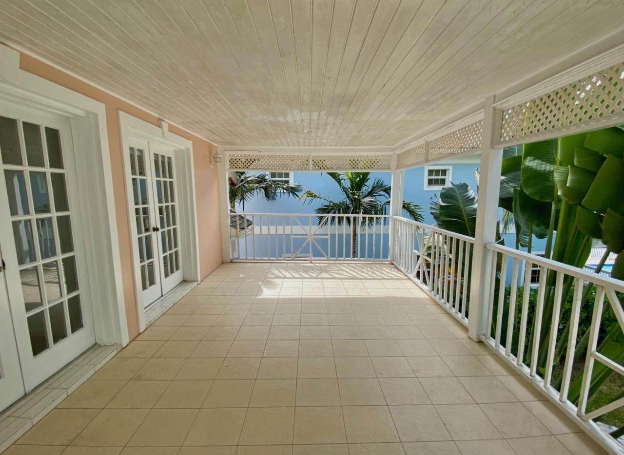 12. Single Family Homes for Sale at Sandyport, Cable Beach, Nassau And Paradise Island Bahamas