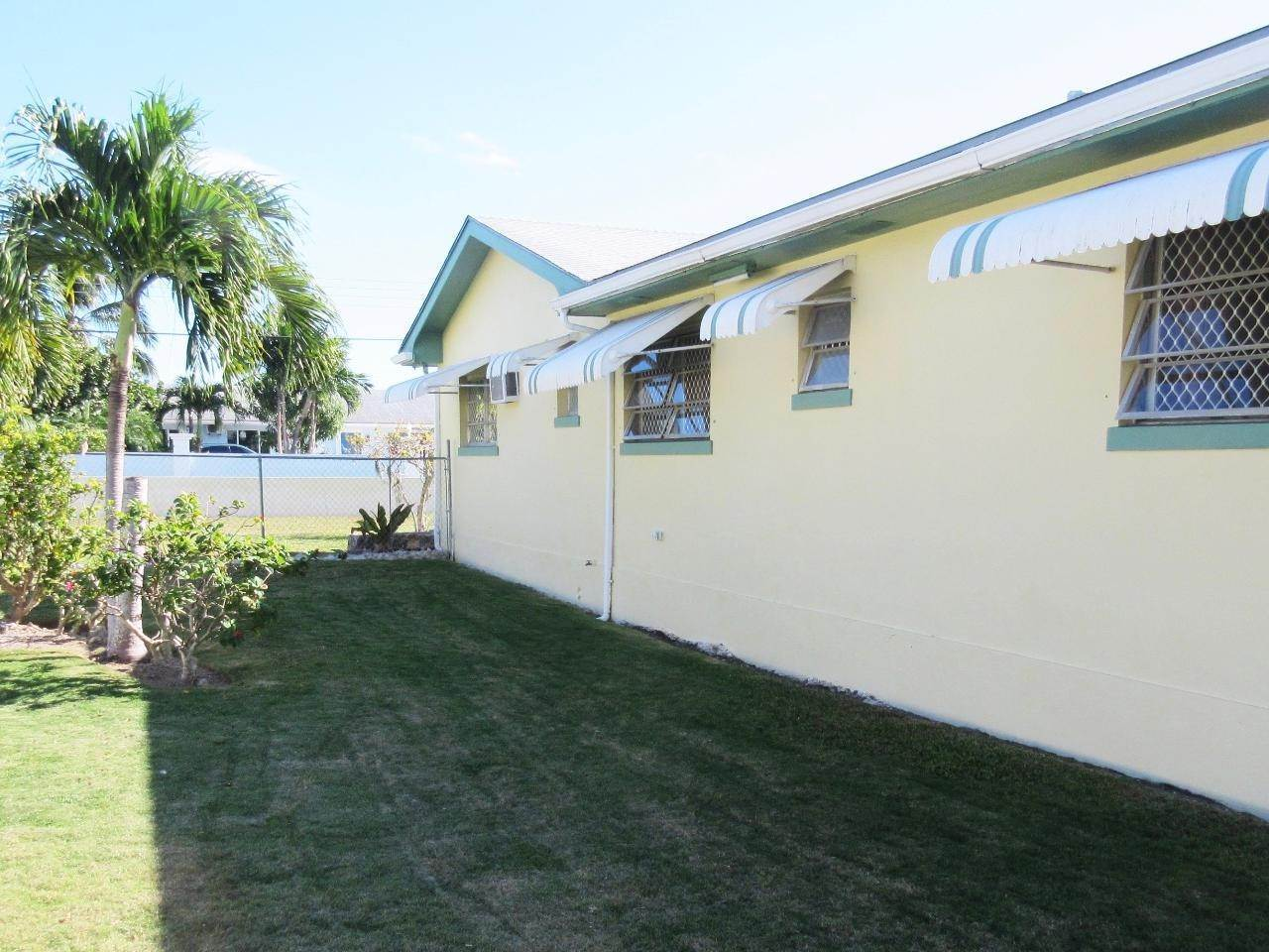 16. Single Family Homes for Sale at Blair Estates, Eastern Road, Nassau And Paradise Island Bahamas