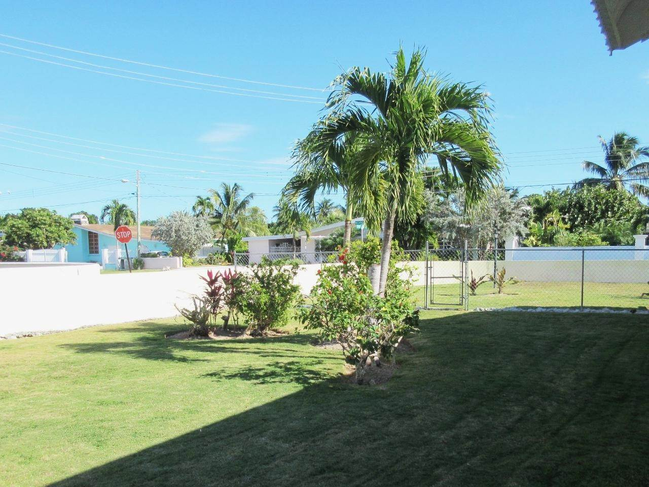 17. Single Family Homes for Sale at Blair Estates, Eastern Road, Nassau And Paradise Island Bahamas