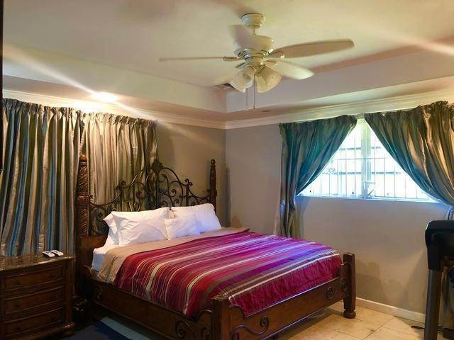 14. Single Family Homes for Sale at Gleniston Gardens, Prince Charles Drive, Nassau And Paradise Island Bahamas