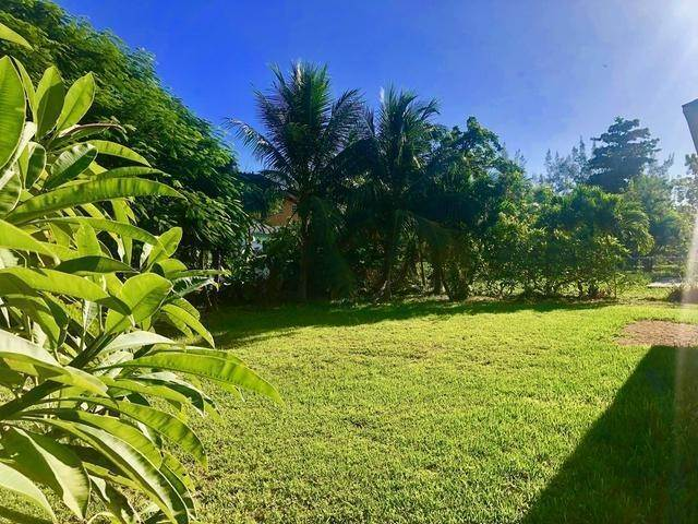 17. Single Family Homes for Sale at Gleniston Gardens, Prince Charles Drive, Nassau And Paradise Island Bahamas