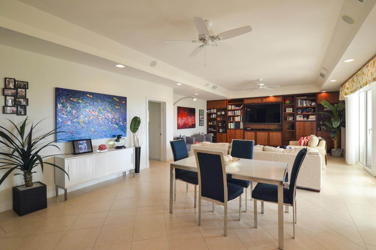 5. Condominiums for Sale at Harbour Breeze, Paradise Island, Nassau And Paradise Island Bahamas