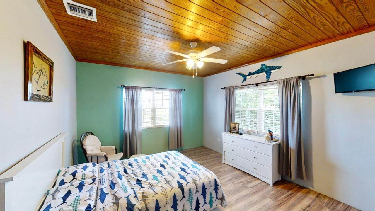 9. Single Family Homes for Sale at Russell Island, Spanish Wells, Eleuthera Bahamas