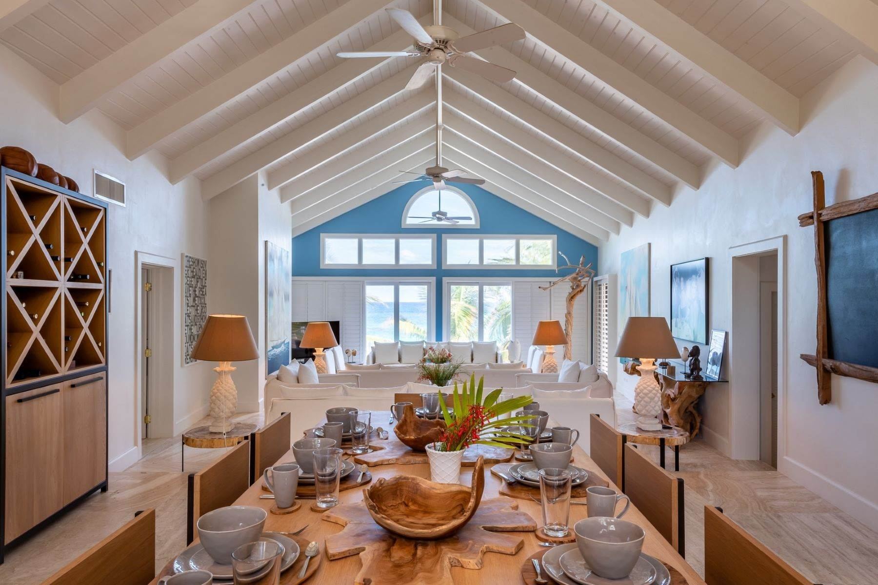 5. Single Family Homes for Sale at Harbour Island, Eleuthera Bahamas