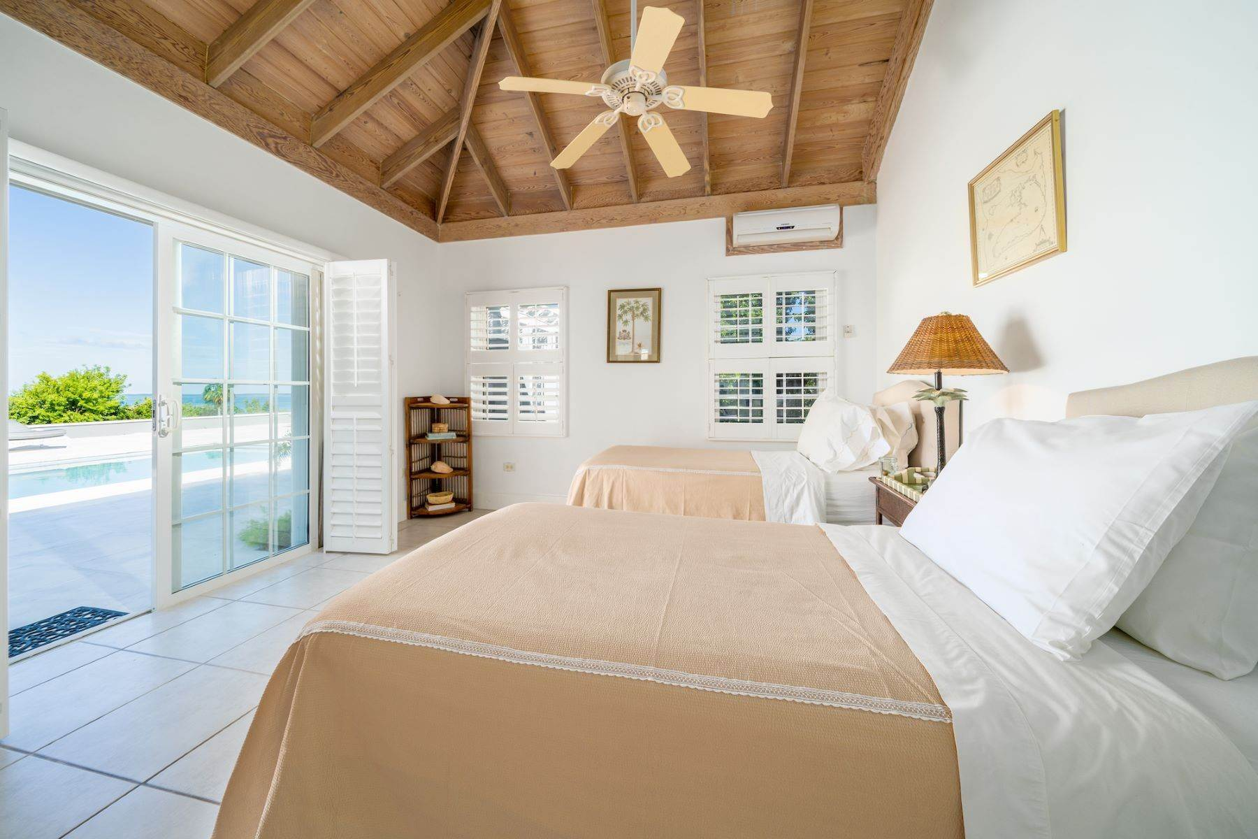 11. Single Family Homes for Sale at Harbour Island, Eleuthera Bahamas