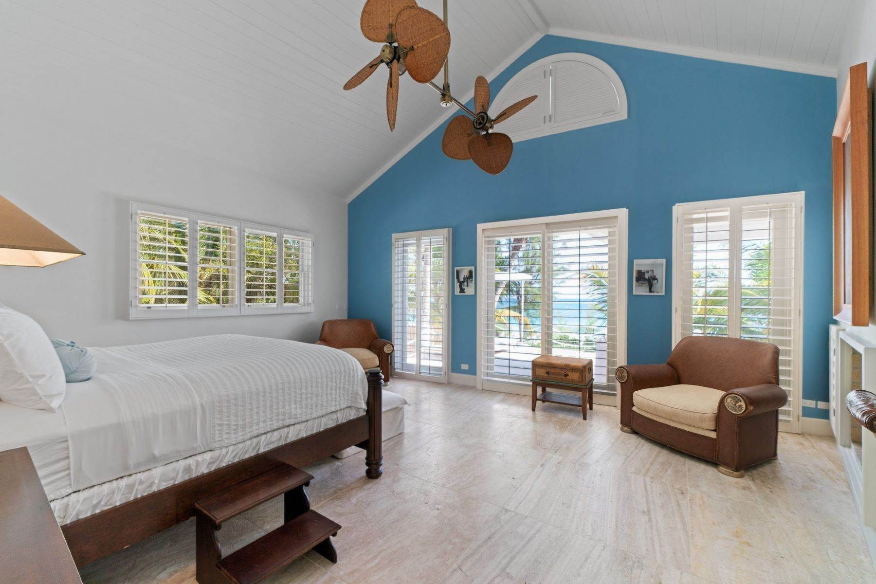 18. Single Family Homes for Sale at Harbour Island, Eleuthera Bahamas