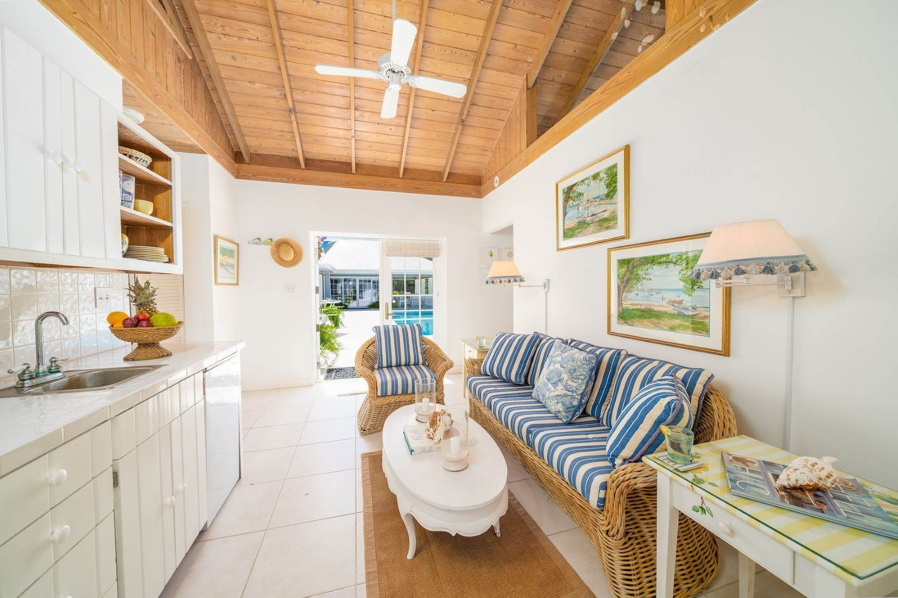 15. Single Family Homes for Sale at Harbour Island, Eleuthera Bahamas