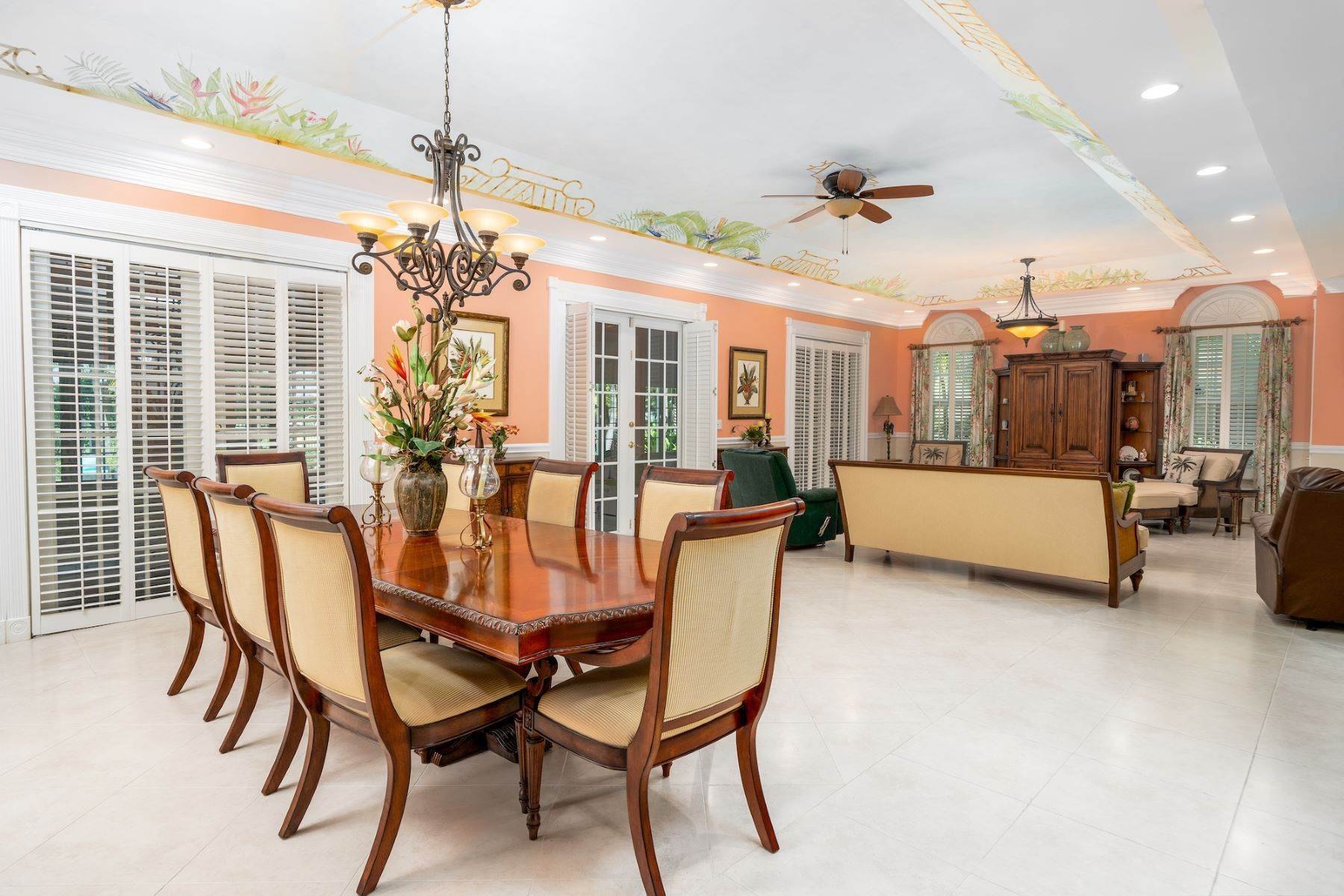 6. Single Family Homes for Sale at Ocean Club Estates, Paradise Island, Nassau And Paradise Island Bahamas