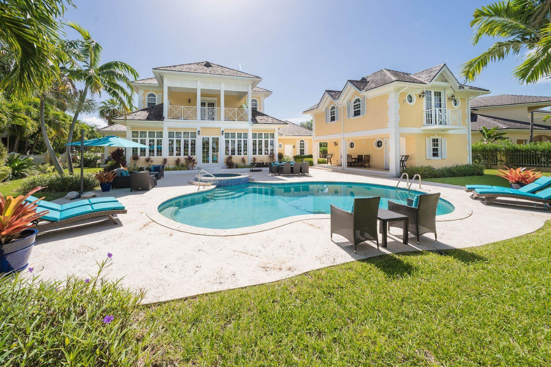 2. Single Family Homes for Sale at Ocean Club Estates, Paradise Island, Nassau And Paradise Island Bahamas