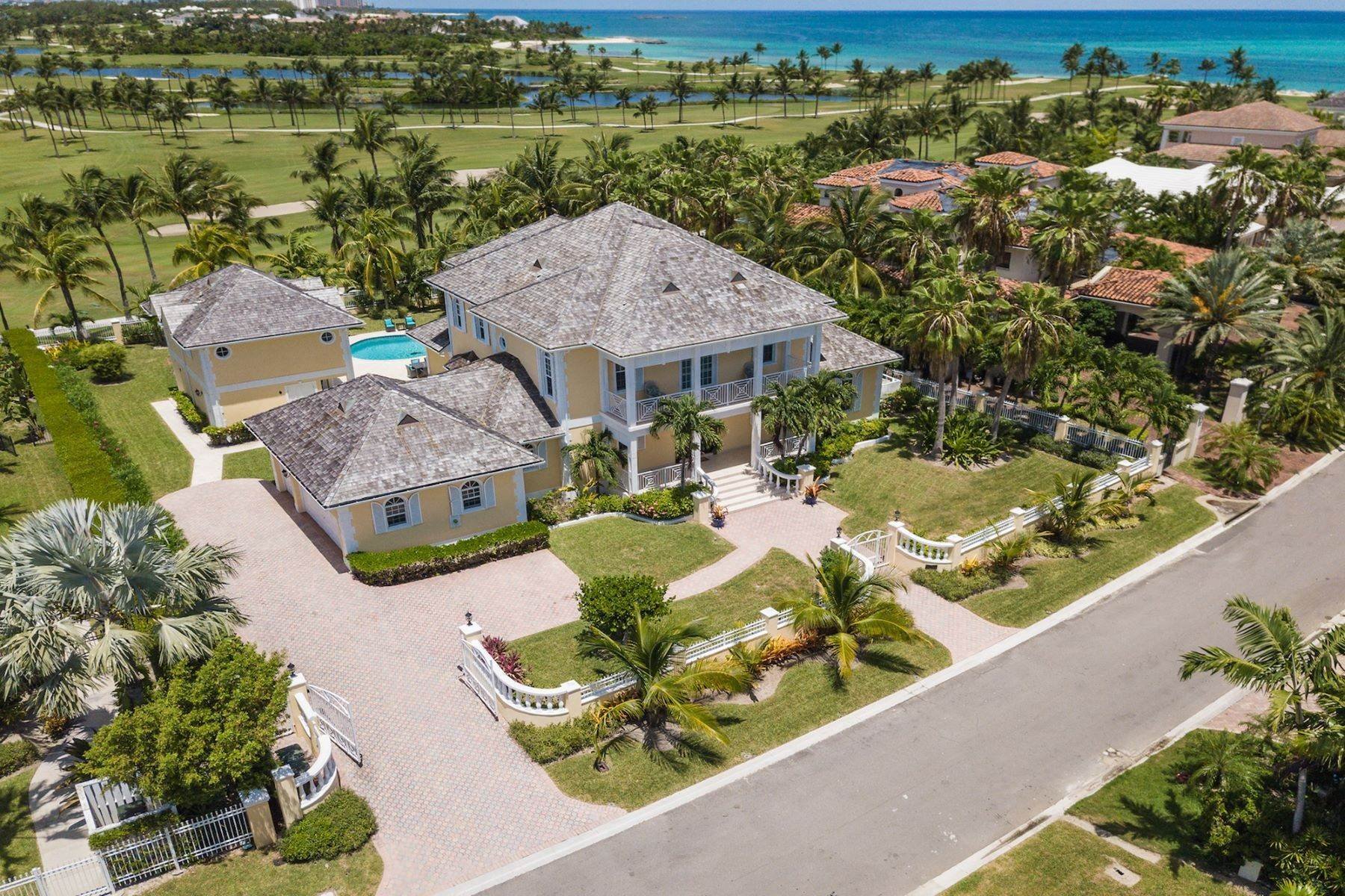 3. Single Family Homes for Sale at Ocean Club Estates, Paradise Island, Nassau And Paradise Island Bahamas