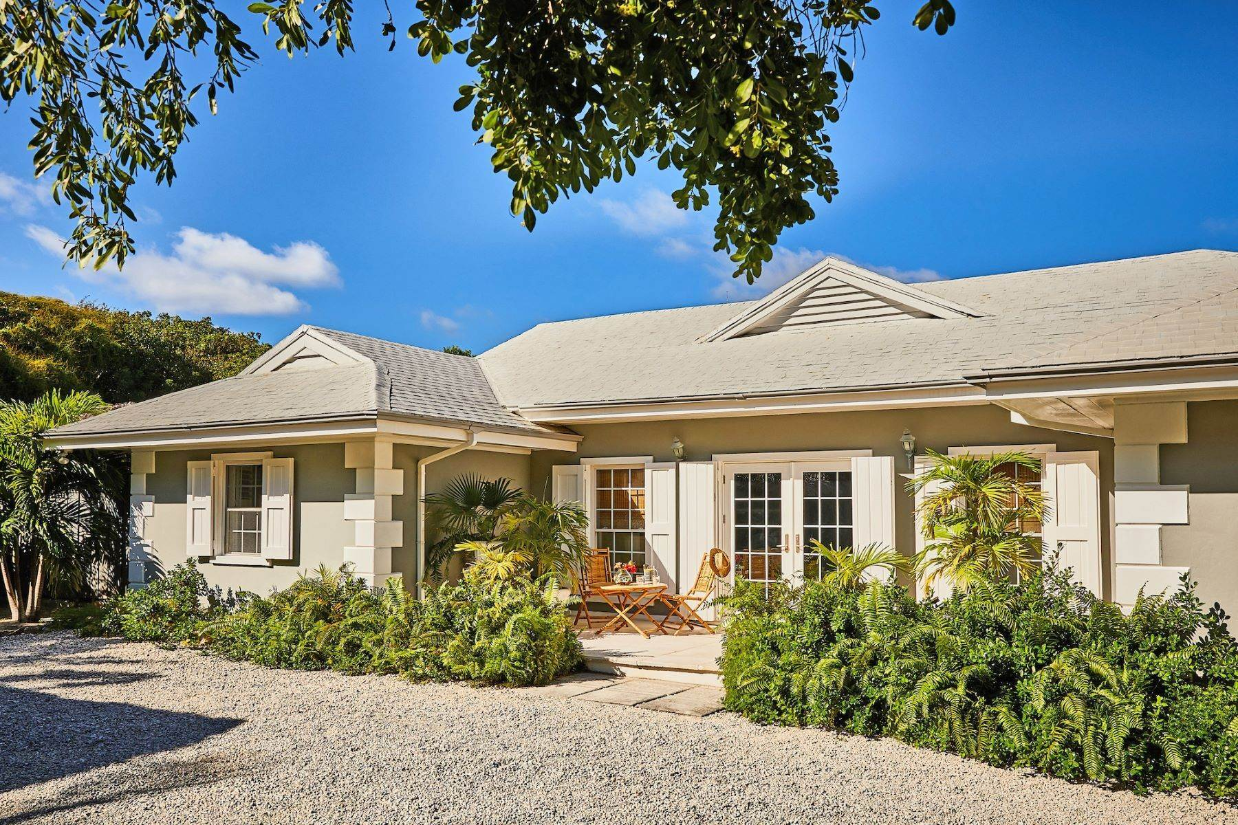 21. Single Family Homes for Sale at Harbour Island, Eleuthera Bahamas