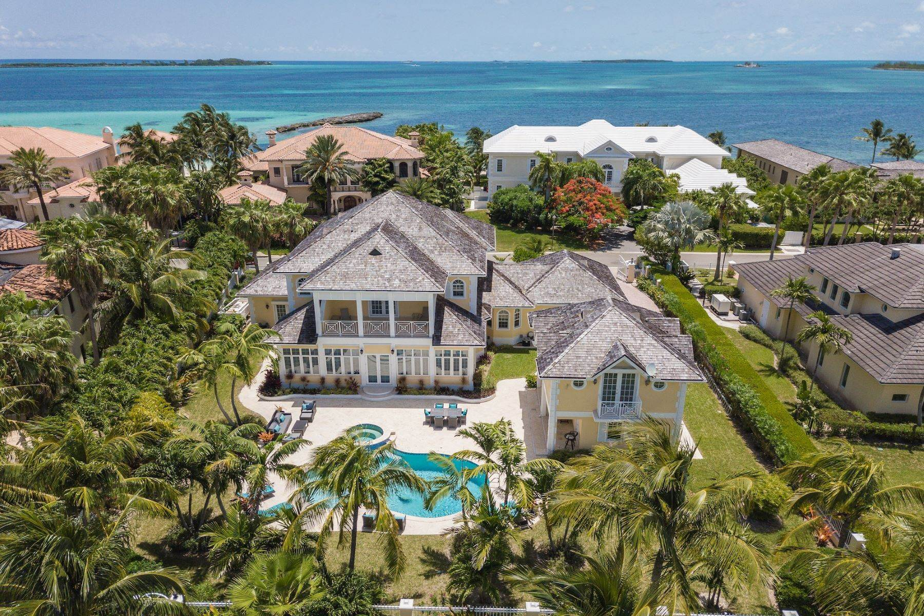 4. Single Family Homes for Sale at Ocean Club Estates, Paradise Island, Nassau And Paradise Island Bahamas