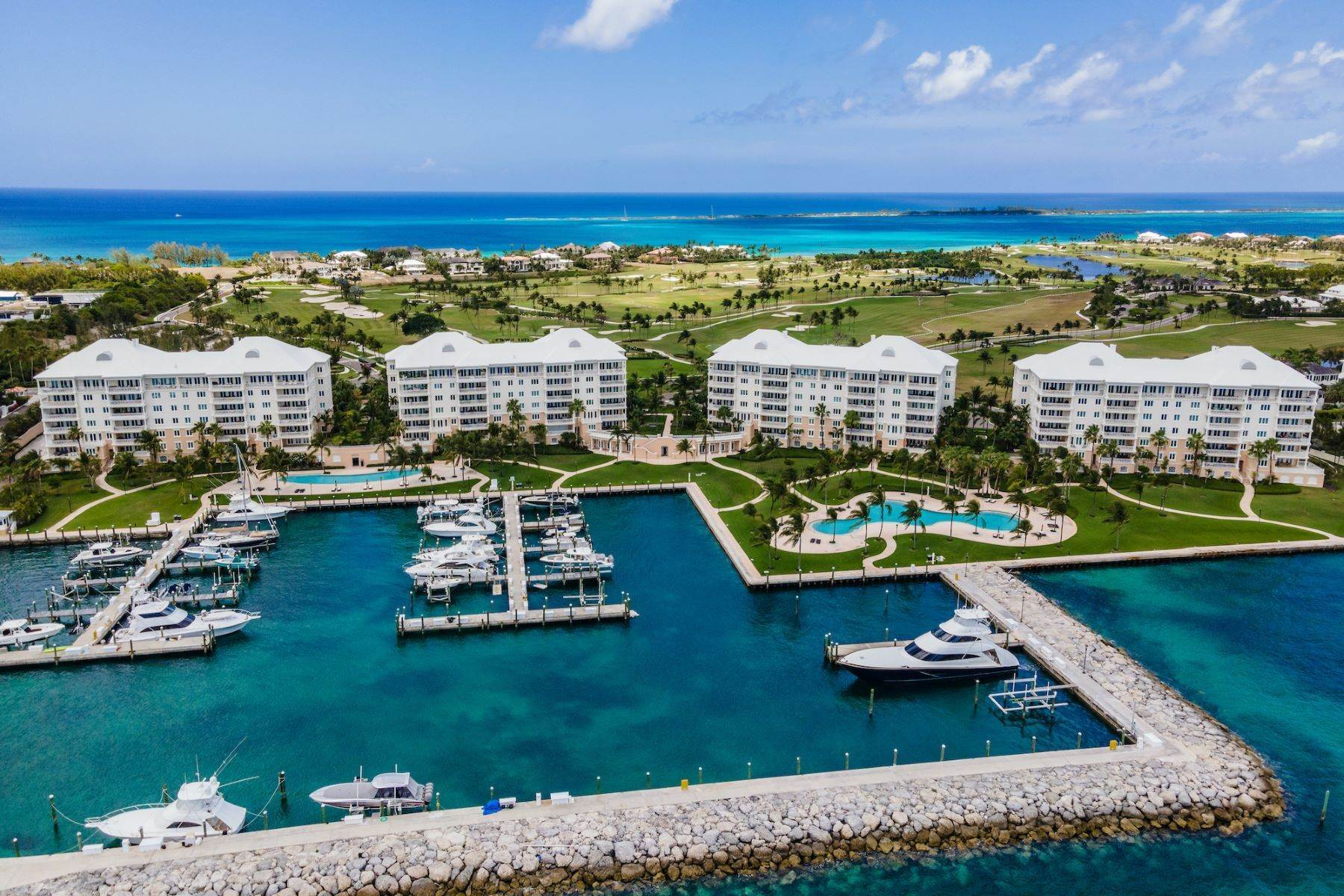 39. Single Family Homes for Sale at A6.2 Ocean Club Residences & Marina Penthouse Ocean Club Residences and Marina, Paradise Island, Nassau And Paradise Island Bahamas