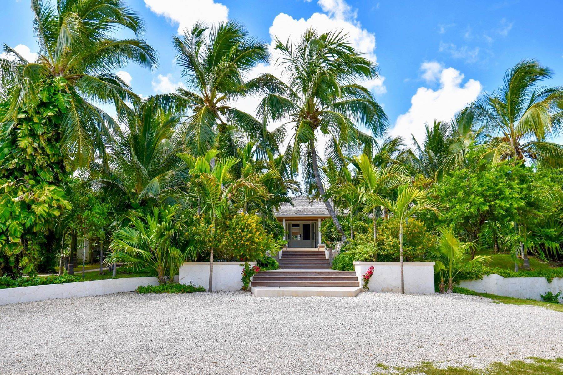 24. Single Family Homes for Sale at Allamanda Estate & Acreage Windermere Island, Eleuthera Bahamas