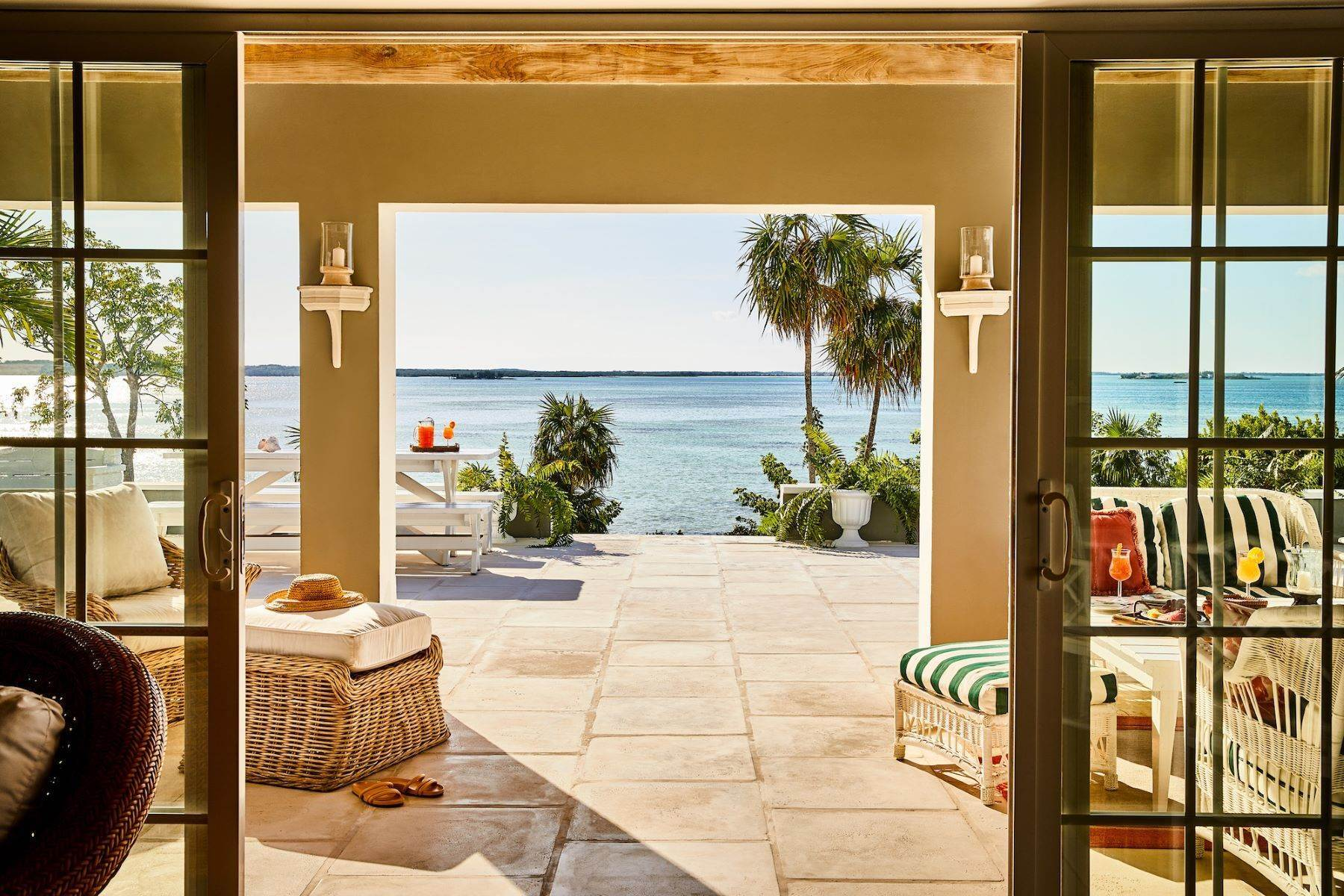 27. Single Family Homes for Sale at Harbour Island, Eleuthera Bahamas