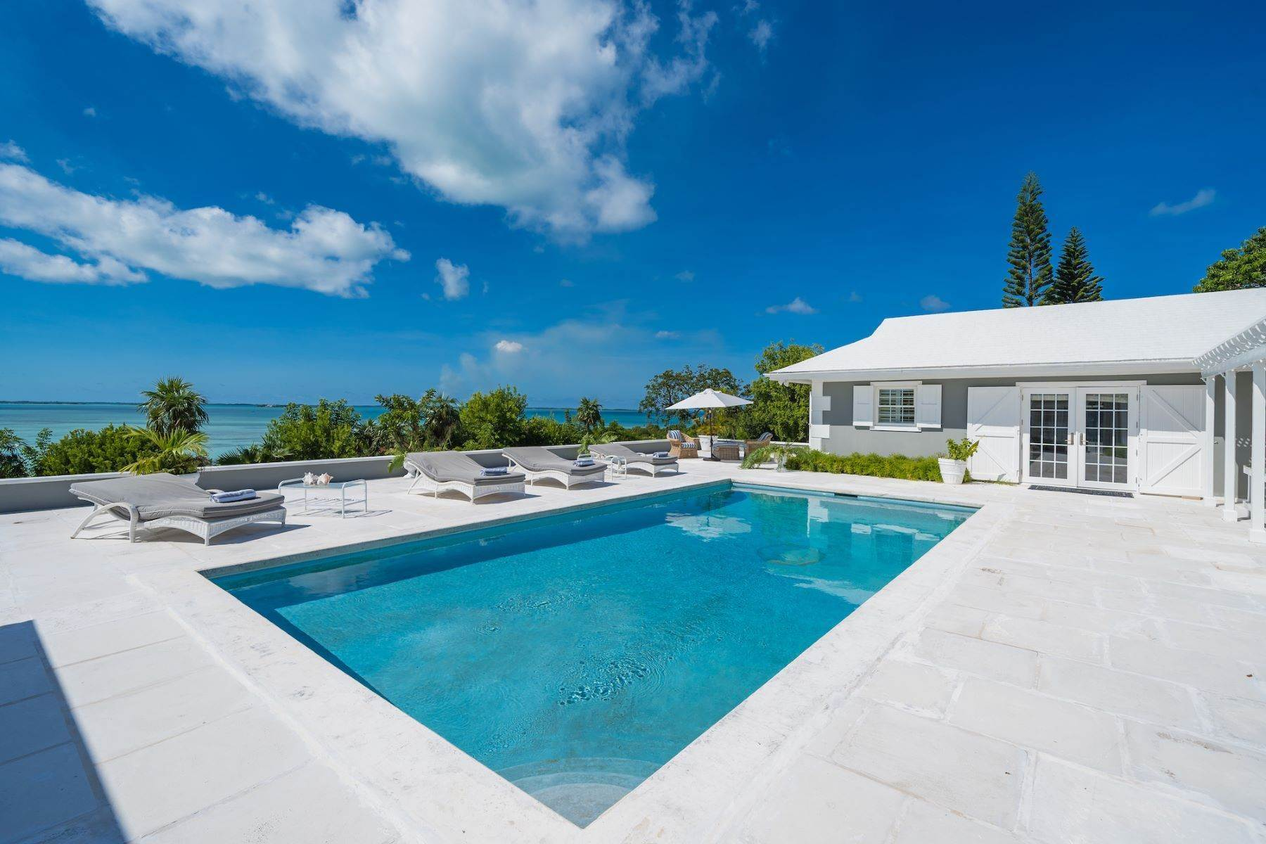 14. Single Family Homes for Sale at Harbour Island, Eleuthera Bahamas