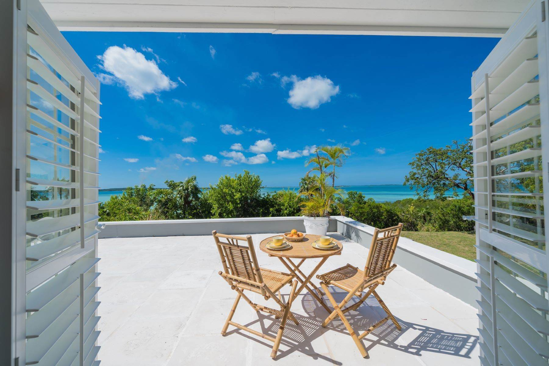 19. Single Family Homes for Sale at Harbour Island, Eleuthera Bahamas