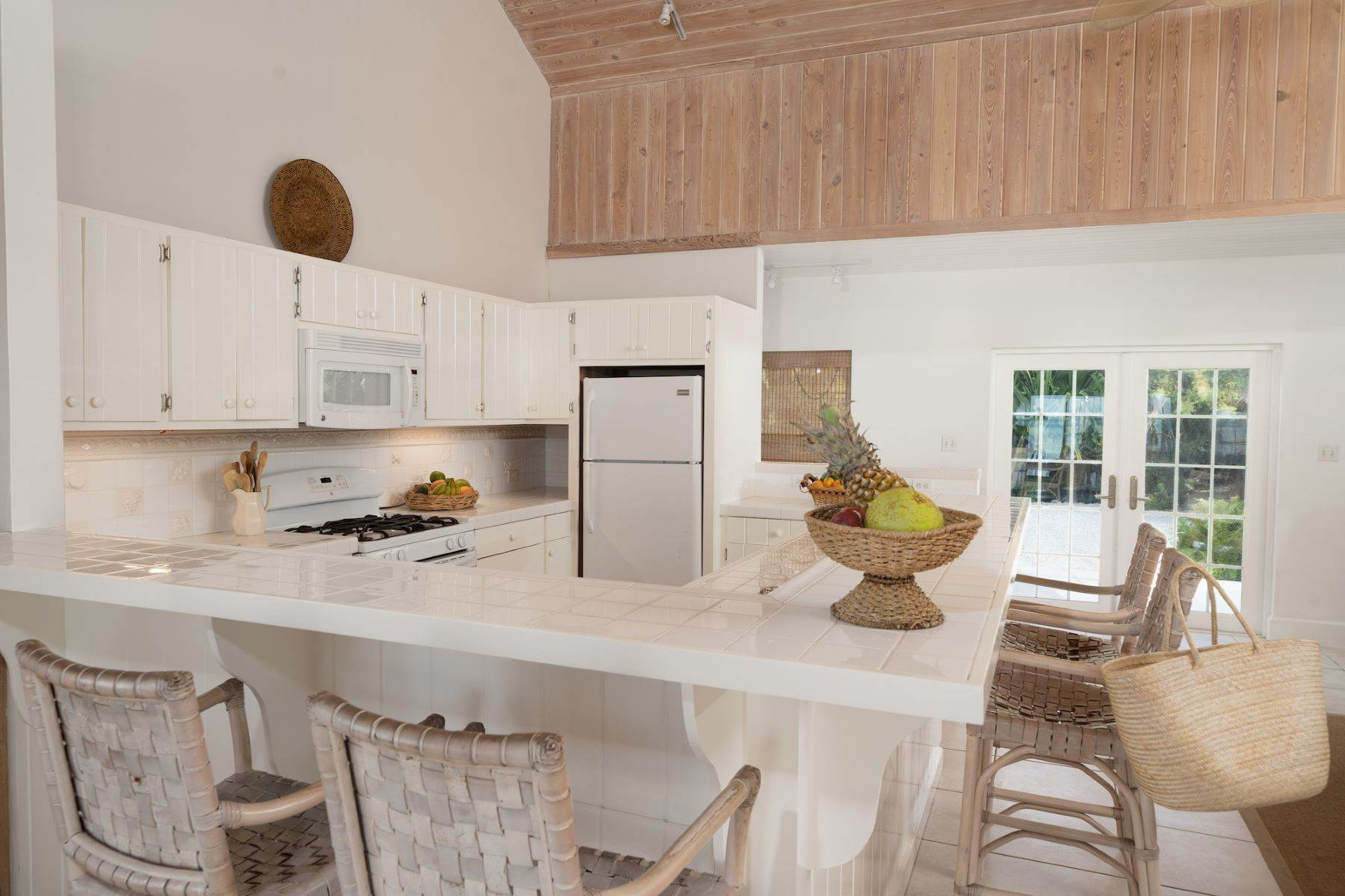 9. Single Family Homes for Sale at Harbour Island, Eleuthera Bahamas