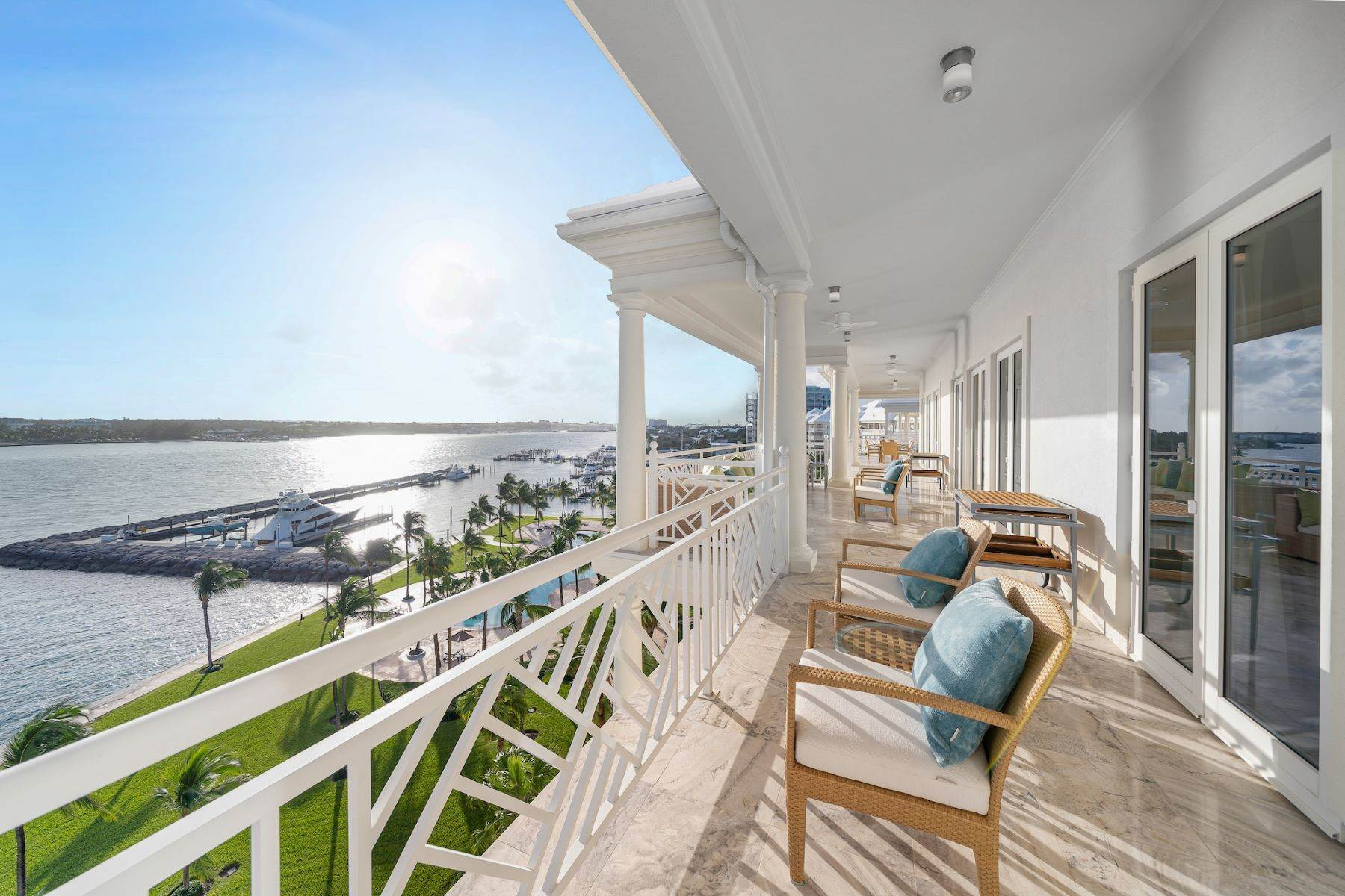 10. Single Family Homes for Sale at A6.2 Ocean Club Residences & Marina Penthouse Ocean Club Residences and Marina, Paradise Island, Nassau And Paradise Island Bahamas