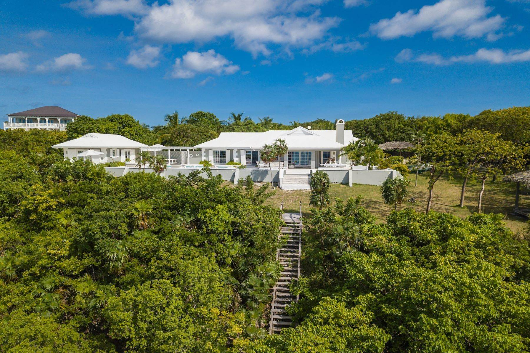 4. Single Family Homes for Sale at Harbour Island, Eleuthera Bahamas