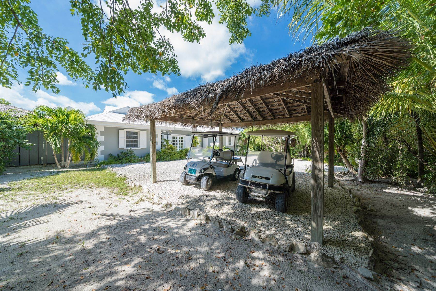 7. Single Family Homes for Sale at Harbour Island, Eleuthera Bahamas