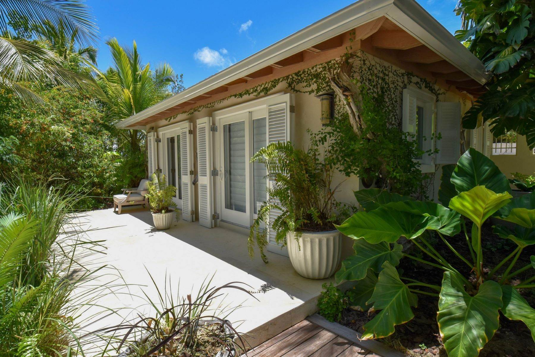 26. Single Family Homes for Sale at Allamanda Estate & Acreage Windermere Island, Eleuthera Bahamas