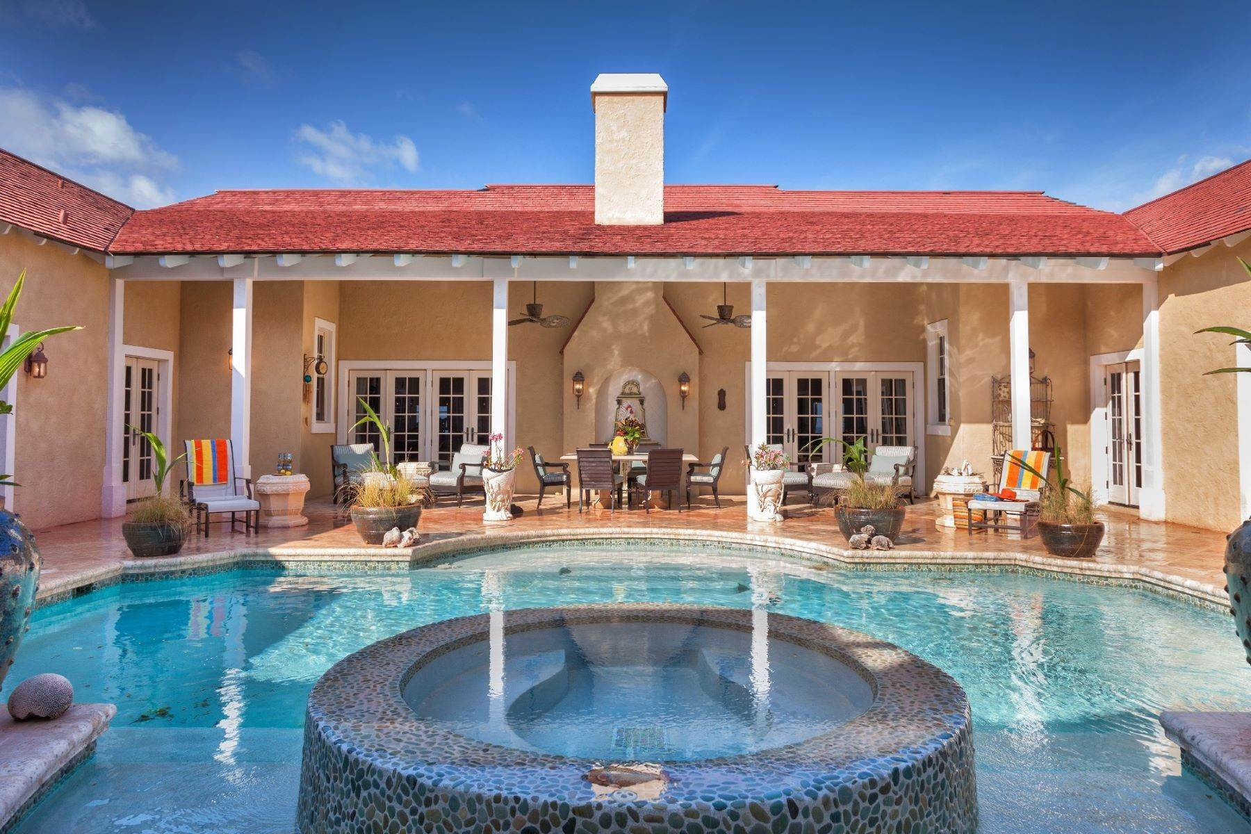 Single Family Homes pour l Vente à Oceanfront Luxury Estate Banks Road, Governors Harbour, Eleuthera Bahamas