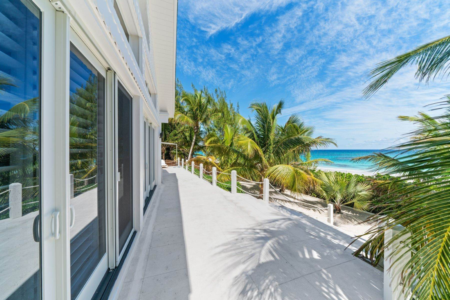 6. Single Family Homes for Sale at Harbour Island, Eleuthera Bahamas