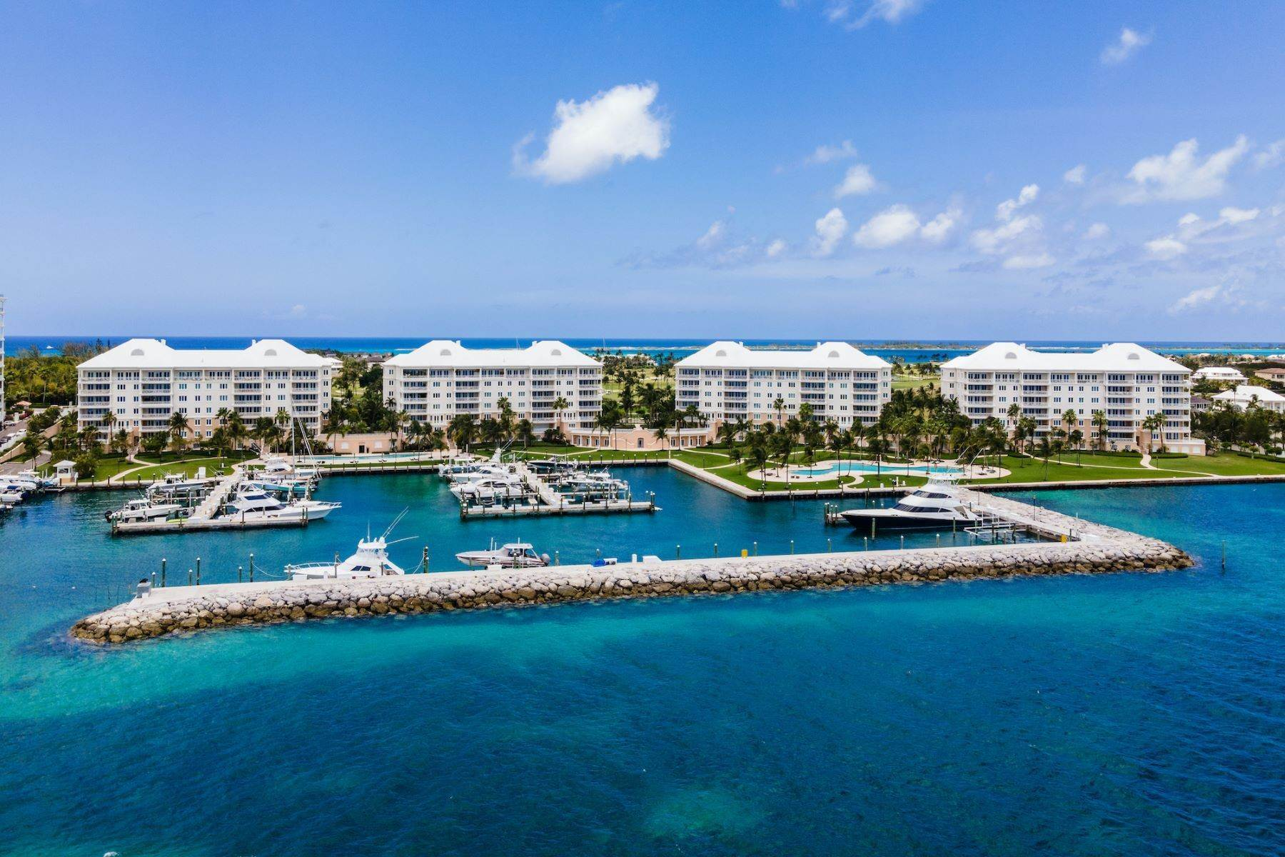 38. Single Family Homes for Sale at A6.2 Ocean Club Residences & Marina Penthouse Ocean Club Residences and Marina, Paradise Island, Nassau And Paradise Island Bahamas