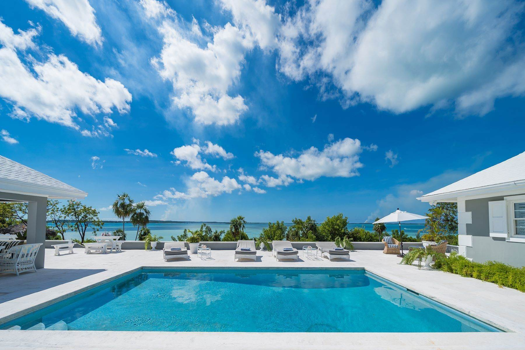 13. Single Family Homes for Sale at Harbour Island, Eleuthera Bahamas