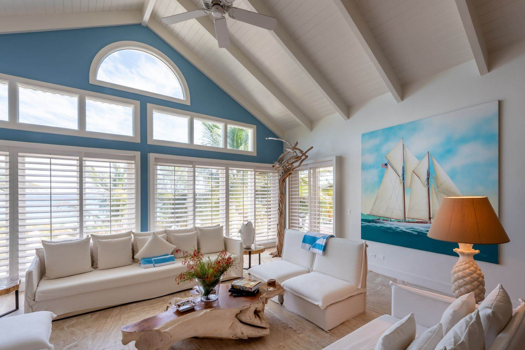 24. Single Family Homes for Sale at Harbour Island, Eleuthera Bahamas