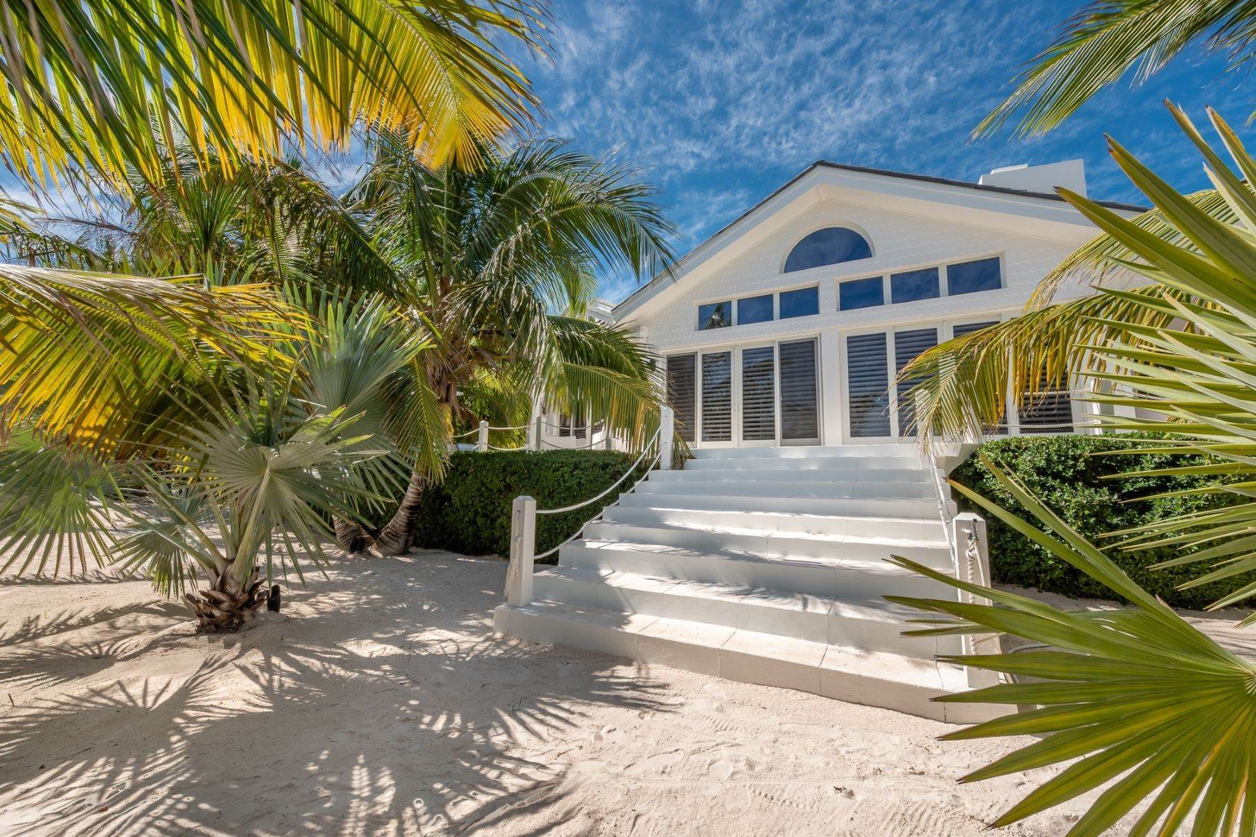 12. Single Family Homes for Sale at Harbour Island, Eleuthera Bahamas