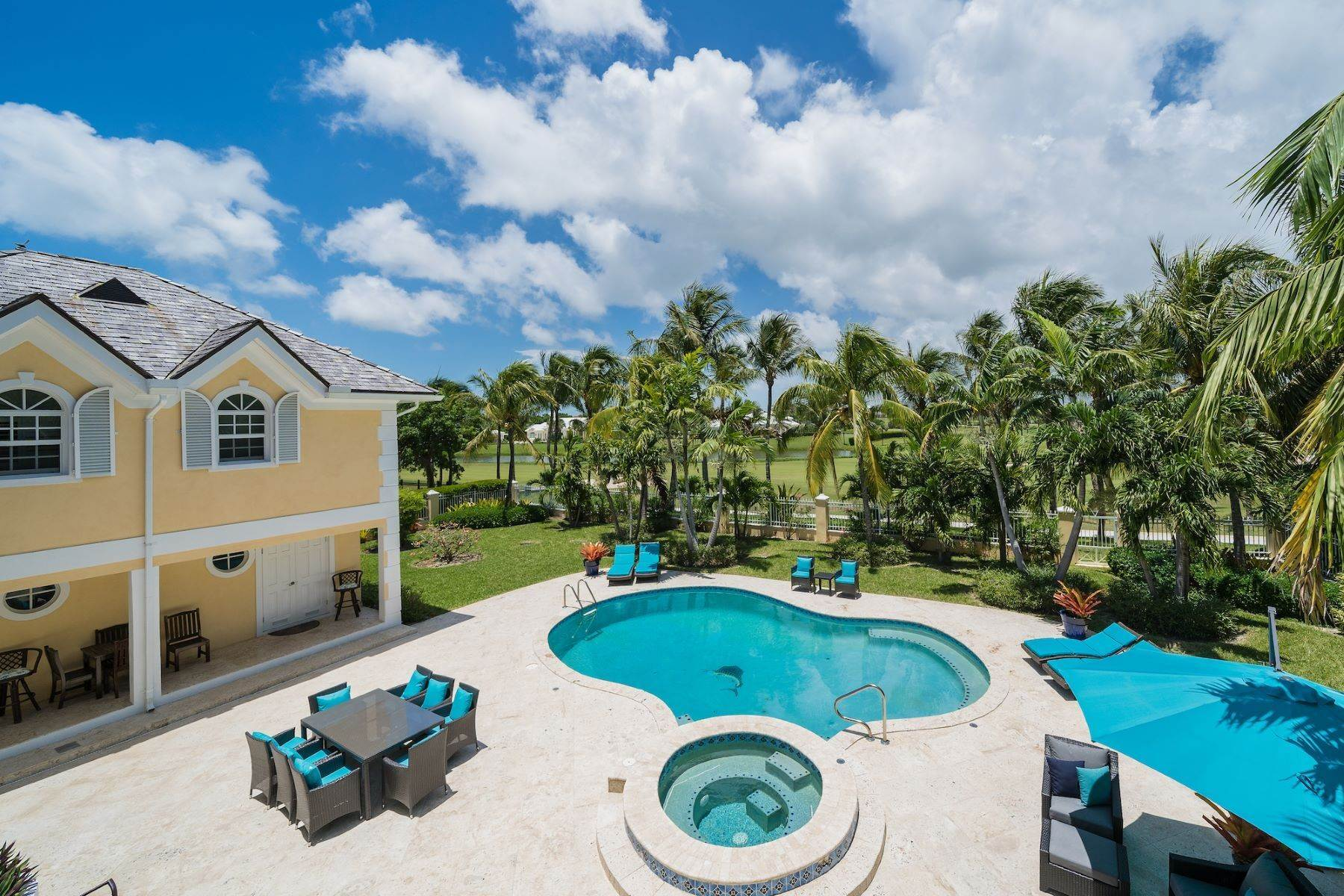 18. Single Family Homes for Sale at Ocean Club Estates, Paradise Island, Nassau And Paradise Island Bahamas