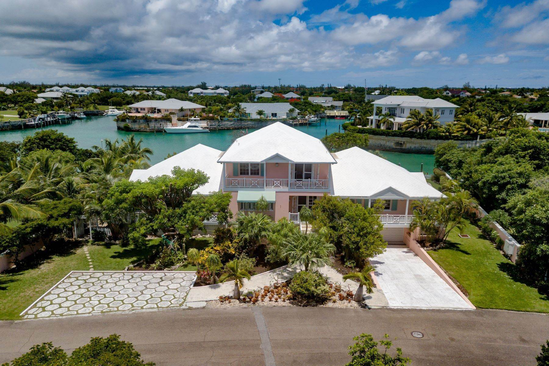 Single Family Homes pour l Vente à Port New Providence, Yamacraw, New Providence/Nassau Bahamas