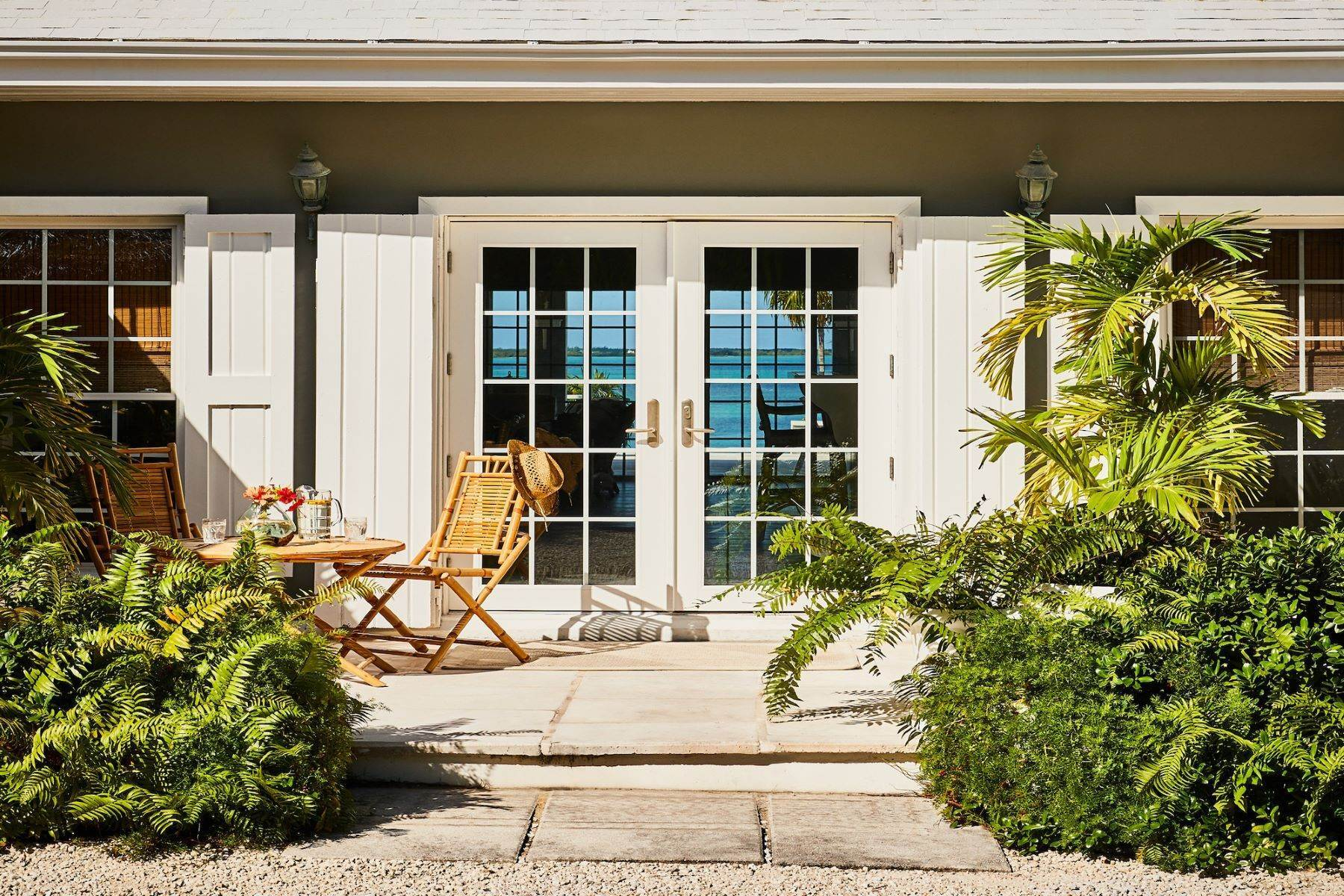 22. Single Family Homes for Sale at Harbour Island, Eleuthera Bahamas