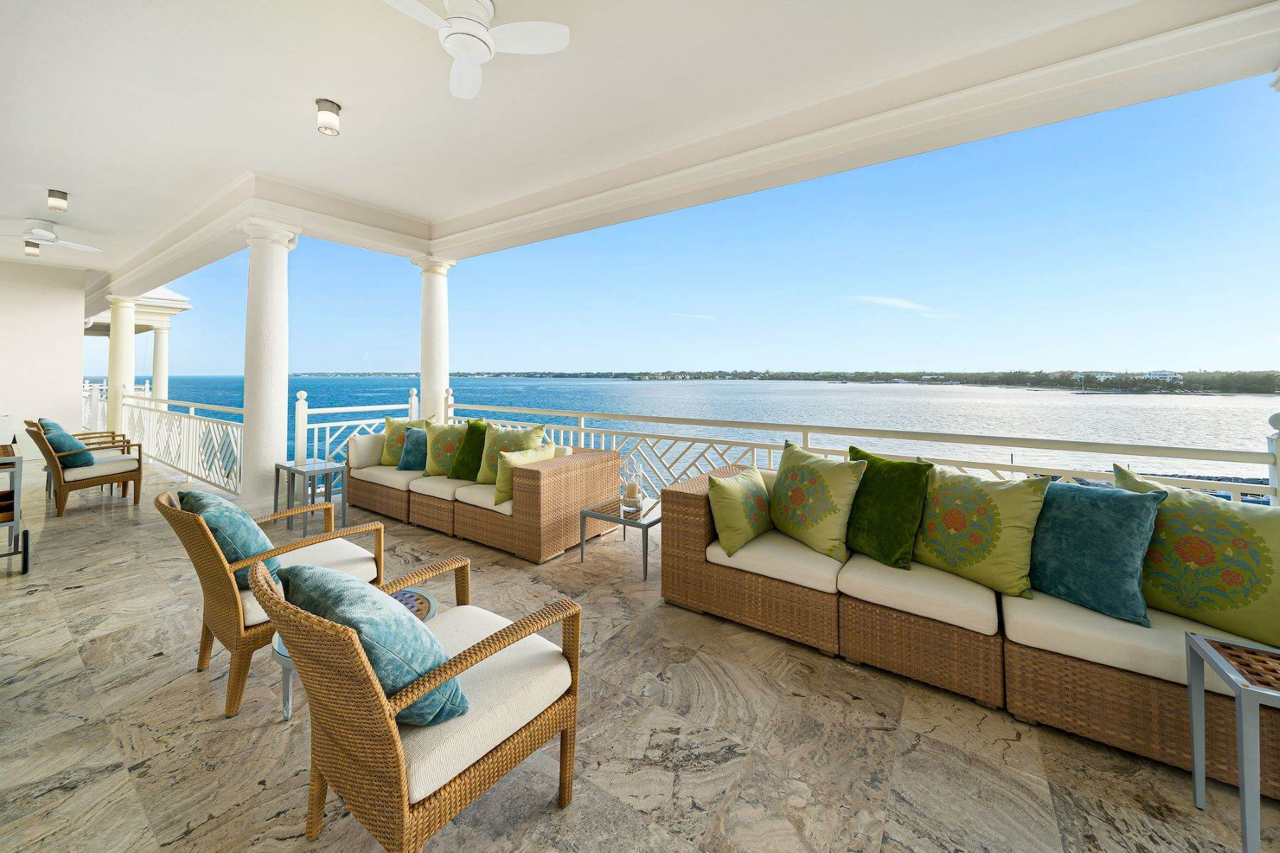 29. Single Family Homes for Sale at A6.2 Ocean Club Residences & Marina Penthouse Ocean Club Residences and Marina, Paradise Island, Nassau And Paradise Island Bahamas
