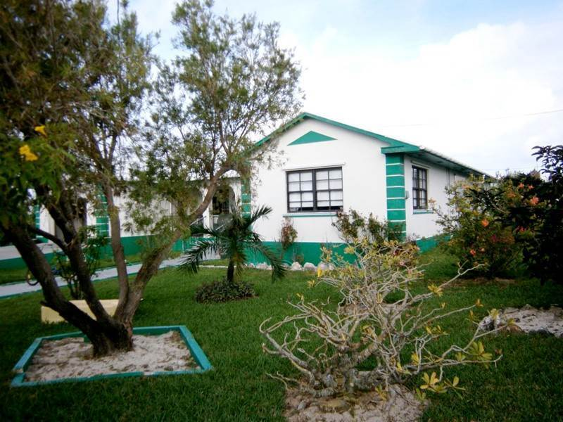 Single Family Homes pour l Vente à 28th & Hilton Street Waterfront Home Spanish Wells, Eleuthera Bahamas