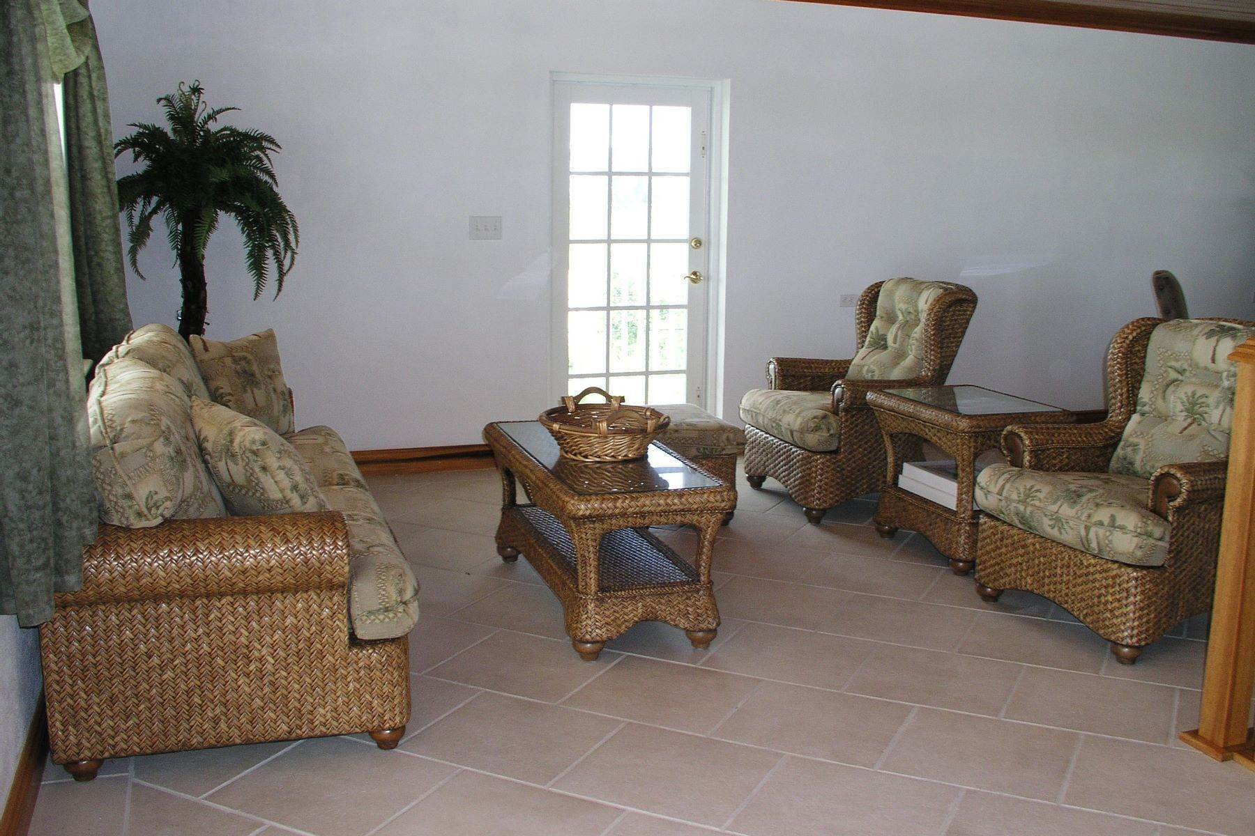 9. Single Family Homes for Sale at Seaside Villa - Harbour Front Spanish Wells, Eleuthera Bahamas