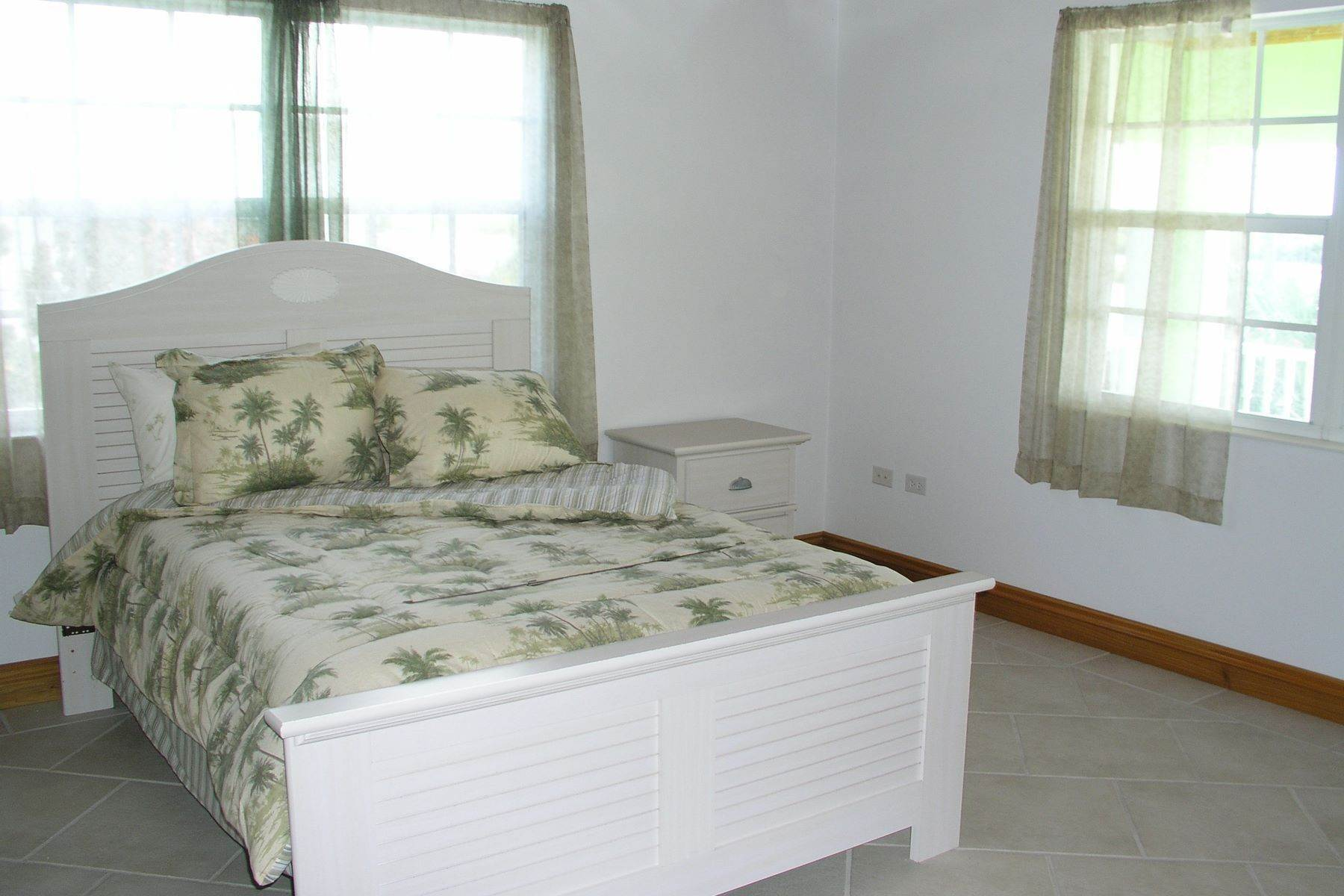 6. Single Family Homes for Sale at Seaside Villa - Harbour Front Spanish Wells, Eleuthera Bahamas