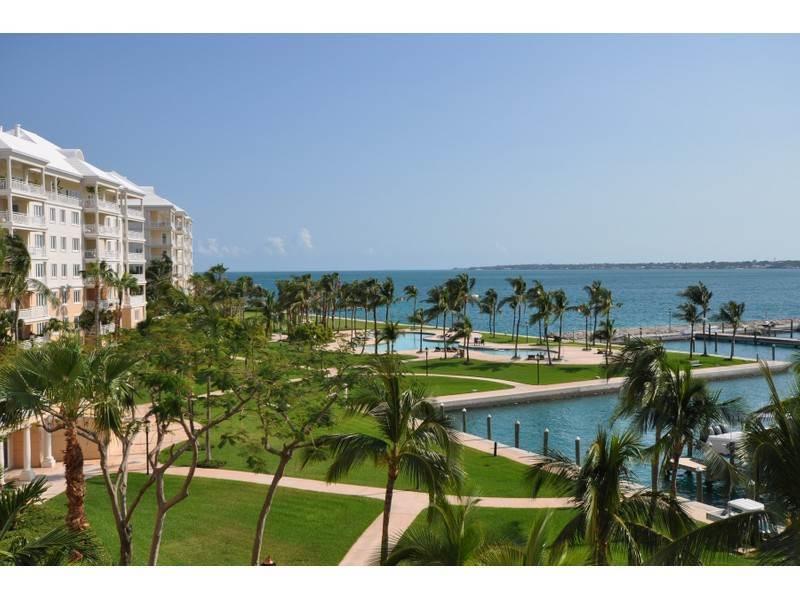 ocean club residences marina c3 4 paradise island sotheby 39 s bahamas real estate. Black Bedroom Furniture Sets. Home Design Ideas